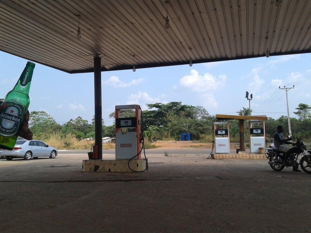 Nieprzewidziany postój na stacji benzynowej.